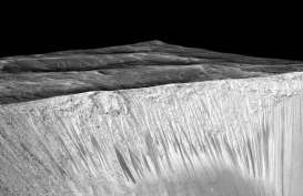 Ilmuwan Pakai AI untuk Temukan Kawah Kecil di Planet Mars