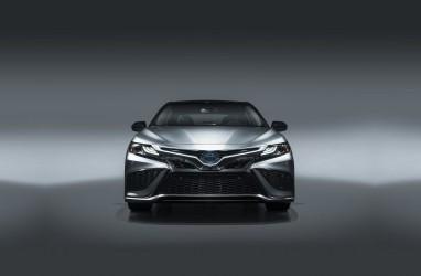 Wah! Camry Hybrid 2021 Lebih Murah dari Versi Sebelumnya