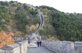 CHINA PASCAWABAH : Wisata Domestik Mulai Bergerak