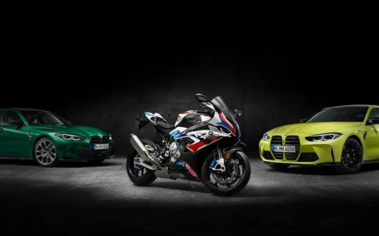 BMW M1000RR.  - BMW