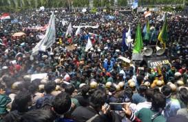 Aksi Jalanan Protes UU Cipta Kerja di Lampung Ricuh