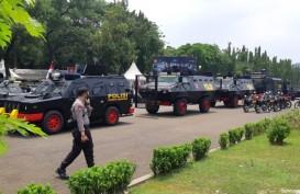 Demo UU Cipta Kerja, Water Cannon dan Barakuda Disiagakan di Dekat Istana