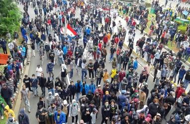 Demo Tolak UU Cipta Kerja di Jogja Ricuh hingga ke Malioboro