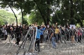 Demo UU Cipta Kerja Rusuh, Polisi Medan Amankan 60-an…