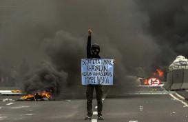 Potret Rusuh Unjuk Rasa Tolak UU Cipta Kerja di Penjuru Tanah Air