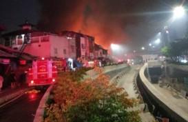 Kebakaran Bekas Bioskop Grand Theater, Pemadaman Hingga Jumat Dini Hari