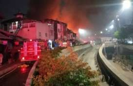Demo UU Cipta Kerja, Bekas Bioskop Grand Theater di Senen Dibakar Massa