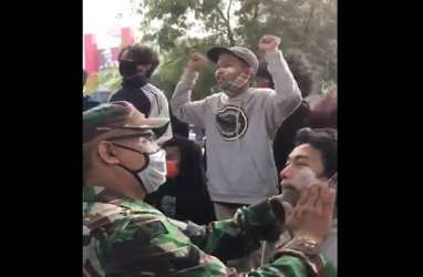 Demo Tolak UU Cipta Kerja, Rizal Ramli Terharu dan Acungkan 2 Jempol untuk TNI