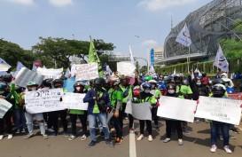 Beda Gaya Anies, Risma, dan Ridwan Kamil Hadapi Pendemo Tolak Omnibus Law