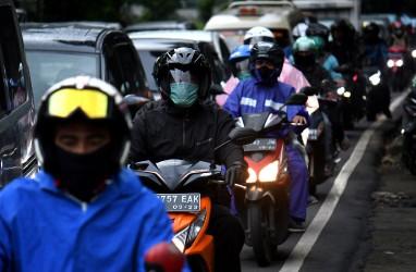 Jangan Lupa Mencuci Sepeda Motor Setelah Dikendarai Sehabis Hujan