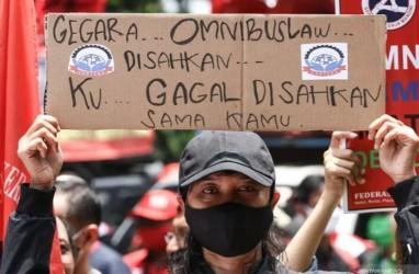 Demo 212 UU Cipta Kerja: Sejak Malam Polisi Tutup Jalan Medan Merdeka Barat