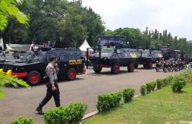 Tangani Demo UU Cipta Kerja dengan Damai, Polisi Kalsel Mendapat Pujian