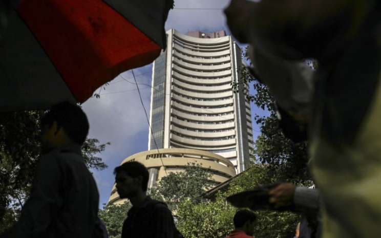 Gedung Bombay Stock Exchange - Bloomberg
