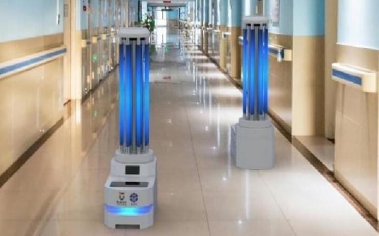 Autonomous UVC Mobile Robot (AUMR) buatan tim peneliti LIPI dab Telkom University Bandung untuk disinfektan virus Corona. (Dokumen tim riset)