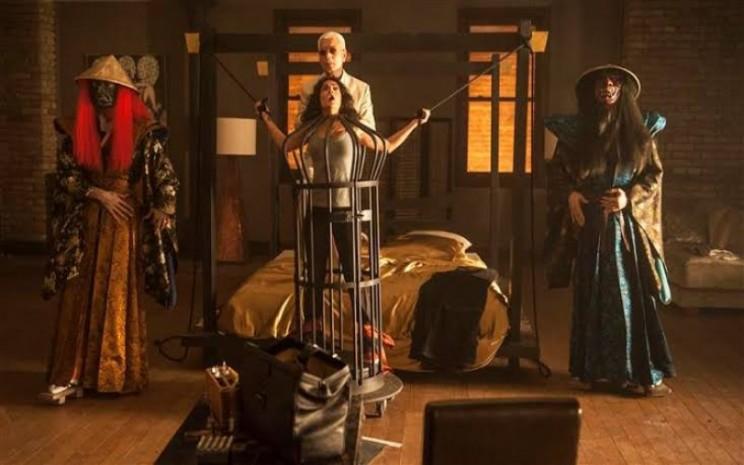 Cuplikan film Everly