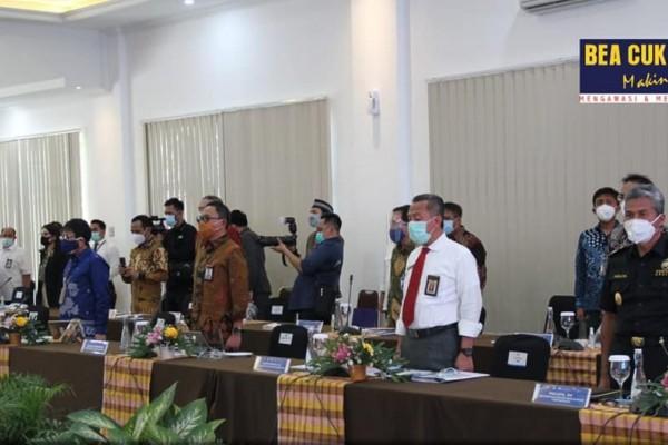 Lakukan Kunjungan Kerja , Komisi XI DPR RI Apresiasi Kinerja Bea Cukai SULBAGSEL