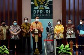 Walah, Pimpinan DPR Mengaku Hanya Cek 'Random' Naskah Final UU Ciptaker