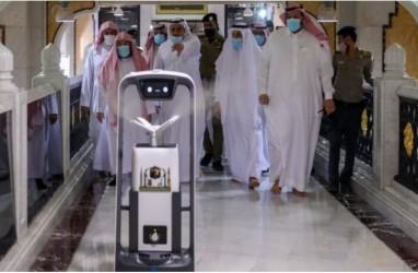 Robot Sterilisasi di Masjidil Haram Ditambah, Sehari 4.500 Liter Disinfektan Dipakai