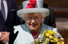 Tanpa Masker, Ratu Elizabeth Kunjungi Laboratorium Virus