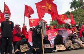 Demonstran Penolak UU Cipta Kerja Mulai Ritual Santet Anggota DPR