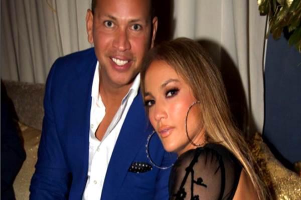 Jennifer Lopez merayakan pra-ulang tahunnya ke-48 bersama Alex Rodriguez. - thesun