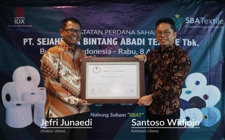 PT Sejahtera Bintang Abadi Textile Tbk. (SBAT) resmi melakukan IPO pada Rabu (8/4 - 2020).