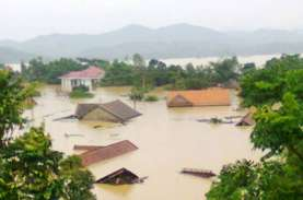 90 Orang Tewas Akibat Banjir dan Tanah Longsor di…