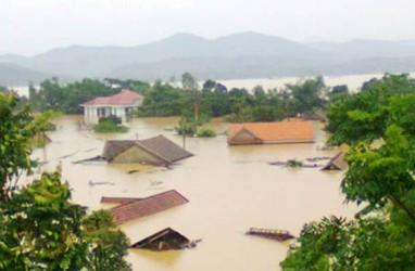 90 Orang Tewas Akibat Banjir dan Tanah Longsor di Vietnam