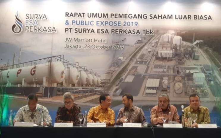 Manajemen PT Surya Esa Perkasa Tbk. saat menggelar paparan publik di Jakarta, Rabu (23/10/2019). - Bisnis - Muhammad Ridwan).