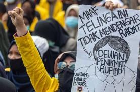 Setahun Jokowi-Ma'ruf Amin: KSP Sebut Omnibus Law…