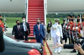Perdana Menteri Jepang Yoshihide Suga Tiba di Istana…