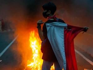 Demonstran Kembali Kepung Istana saat Aksi Unjuk Rasa Menolak UU Cipta Kerja