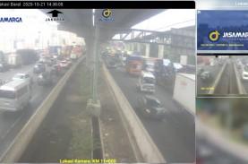 Trailer Kecelakaan di KM 13+800, Jakarta-Cikampek…