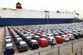 PEREKONOMIAN TERDAMPAK COVID-19 : Penjualan Mobil…
