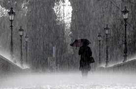 Cuaca Jakarta 22 Oktober, Hujan Deras Disertai Angin…
