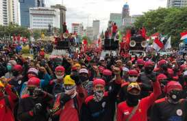 Kunker ke Daerah dan Tinggalkan Pendemo di Jakarta, Jokowi Dikritik