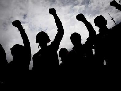 Buruh Kembali Turun Ke Jalan saat Aksi Penolakan UU Cipta Kerja di Jakarta