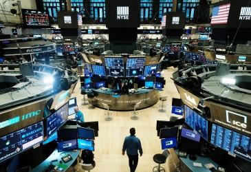 Saham Bank Beterbangan, Wall Street Pesta Pora