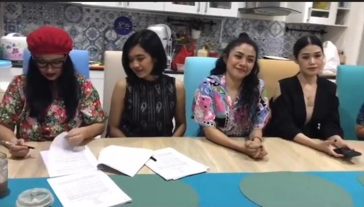 Titi DJ bersama Dara Jana sedang mempersiapkan single terbaru. - Instagram
