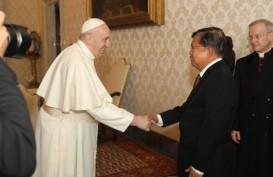 Temui Paus Fransiskus, JK Sampaikan Salam dari Presiden Jokowi