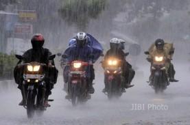 Cuaca Jakarta 24 Oktober, Hujan Disertai Kilat dan…