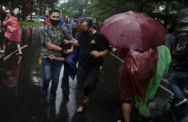 Demo Tolak UU Cipta Kerja, Polisi Tangkap 8 Mahasiswa di Tol Pasteur Bandung