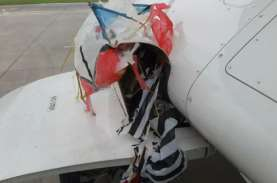 Pesawat Citilink Tersangkut Layangan Saat Mendarat…