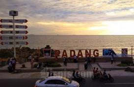 DAMPAK TEKANAN PARIWISATA : PAD Padang Anjlok 25%