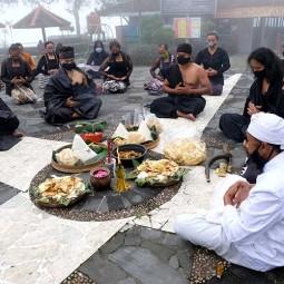 Penghayat Kepercayaan Pahoman Sejati Gelar Ritual Sesaji Pisungsung Gunung Merapi