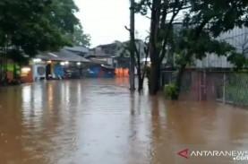 Akibat Banjir, Jalan Raya Jambore Cibubur Ditutup…