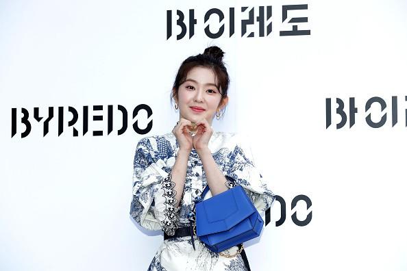 Netizen Korea meminta kepada Irene agar keluar dari Idol Grup Red Velvet. - ilustrasi