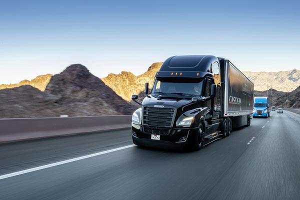 Freightliner Cascadia baru diluncurkan di CES 2019 merupakan truk otomotis level 2.  - DAIMLER
