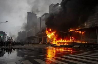 Viral! Narasi TV Bongkar Dalang Pembakaran Halte saat Demo UU Ciptaker