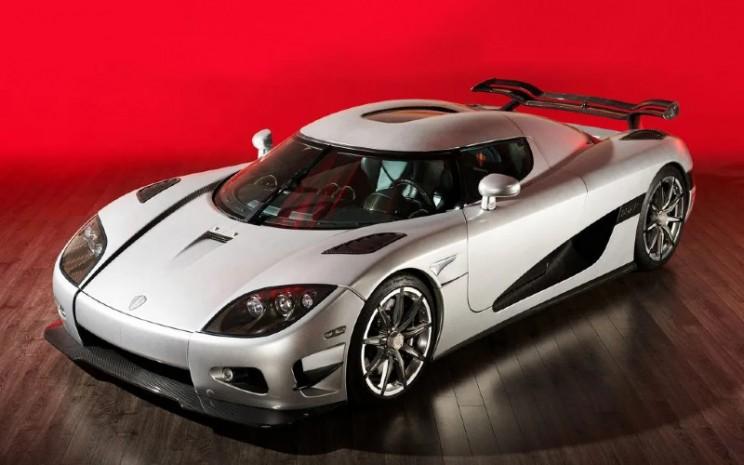 Sebagai mobil hypercar, Koenigsegg CCXR Trevita menggendong mesin V8 4,8 liter yang dilengkapi dual-supercharger. - Carscoop`